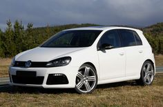 VW Golf R. Turbo & AWD? Yes, PLEASE.