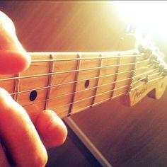 ❝Ver as nossas idéias tomando forma é como ver o sol ganhando existência.❞  (John Frusciante)
