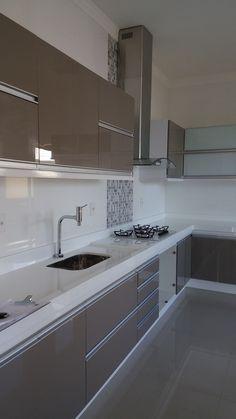 Elegant Kitchen Design Ideas For More Comfortable - Page 6 of 46 - different kitchens Aluminum Kitchen Cabinets, Aluminium Kitchen, Modern Kitchen Cabinets, Kitchen Slab, Diy Kitchen, Kitchen Decor, Contemporary Kitchen Design, Interior Design Kitchen, Elegant Kitchens