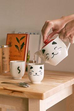 White Cat Tea Set