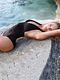 candice swanepoel bikini shoot7 Bombshell Alert! Candice Swanepoel Models Bikinis in Victorias Secret Shoot