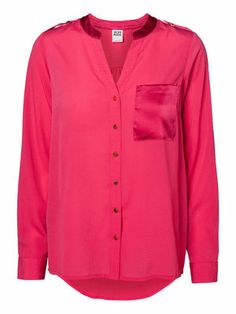 Brighten up your next outfit with this VERO MODA SATIN IVANA L/S TOP! #veromoda #pink #colourful #shirt #satin #fashion @Veronica MODA