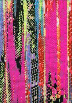 Ref. 8229 V.1 disponível nos nossos tecidos Opaca, Miami, Efeito couro, e SPPLX.