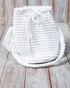 Umhängetaschen - Torebka sznurkowa w kolorze białym - ein Designerstück von Mayalove- bei DaWanda Bucket Bag, Handmade, Bags, Etsy, Fashion, Handbags, Moda, Hand Made, Fashion Styles