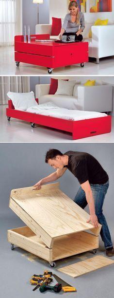 Dos en uno: la mesita y la cama para los invitados. MK #palets #pallets #palletfurniture #palletwood #reciclar