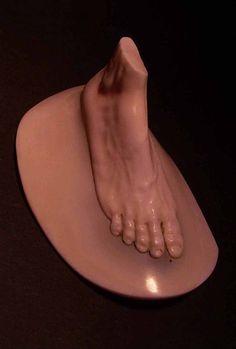 Carved Foot Brooch - Shinji Nakaba