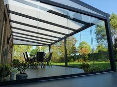 Pakket glazen overkapping grafietgrijs 250cm hoog en 250cm diep €650,-