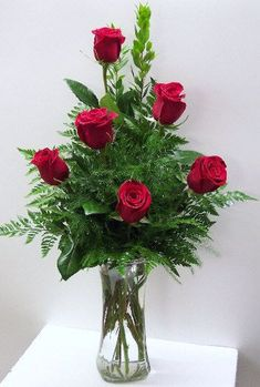 50 Lovely Rose Arrangement Ideas For Valentines Day 50 Lovely Rose Arrangement Ideas For Valentines DayBy Posted on January are the most generally adored blossoms. Valentine's Day Flower Arrangements, Rosen Arrangements, Rose Vase, Flower Vases, New Shape, Valentines Flowers, Valentine Nails, Valentine Ideas, Funeral Flowers