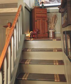 Rise to the Occasion: Give worn-out stairs a painted makeover with a primitive stencil design that suits your style. Primitive Homes, Country Primitive, Prim Decor, Country Decor, Primitive Decor, Stenciled Stairs, Country Sampler, American Decor, Cozy House