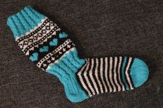 Hetken hengähdys: Jonsukat ja lankadominassi Wool Socks, Knitting Socks, Womens Slippers, Fingerless Gloves, Arm Warmers, Mittens, Knitwear, Knit Crochet, Diy And Crafts