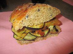 FORNELLI IN FIAMME: HOMEMADE BREAD WITH FARINATA AND FRIED EGGPLANTS (RECETTE AUSSI EN FRANCAIS) - Pane fatto in casa con melanzane fritte e farinata