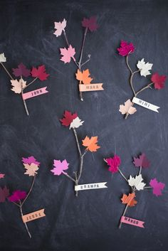 7 DIY Fall Decor for a Autumn-Inspired Home - Design & Roses Diy Place Cards, Diy Cards, Fall Crafts, Crafts For Kids, Leaf Crafts, Holiday Crafts, Craft Projects, Projects To Try, Thanksgiving Diy