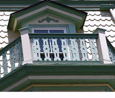 Gingerbread Trim - This Old House Porch Trim, Porch Roof, Front Porch, Wood Porch Railings, Stair Railing, Stairs, Victorian Decor, Victorian Homes, Victorian Era