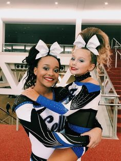 See more of twistersbabycc's content on VSCO. Cheer Picture Poses, Cheer Poses, Cute Cheerleaders, Cheerleading Uniforms, Cheers Stars, Cheers Photo, Cheer Spirit, Cheer Pictures, Lift And Carry