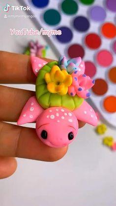 Polymer Clay Kawaii, Polymer Clay Animals, Polymer Clay Crafts, Diy Clay, Diy Crafts Hacks, Easy Diy Crafts, Cute Crafts, Crafts For Kids, Polymer Clay Miniatures