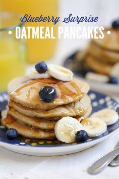 Gluten-Free Blender Blueberry Surprise Oatmeal Pancakes! These pancakes take 10…