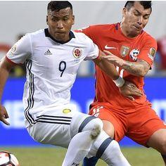 Roger #Martinez #Colombia contro Gary #Medel #Cile