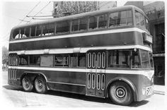 19 53 Model BUT P ower: 85 hp Capacity: 65 seats In the same way you did with the buses, imports racks trolley 27 from the UK to be bodied by Macosa to form the series Airstream Campers, Barcelona, Double Decker Bus, Bus Coach, Busses, Public Transport, Transportation, Tourism, Around The Worlds