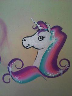 Schmink eenhoorn / one stroke unicorn, 3 minute facepainting www.hierishetfeest.com