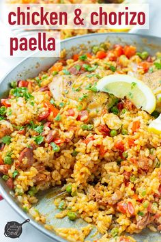 Chicken and Chorizo Paella! This easy chicken and chorizo paella is ultra delicious and true comfort food. Made with a traditional Spanish paella pan Chicken Paella Recipe Easy, Chicken Chorizo, Chicken Recipes, Spanish Chicken And Chorizo, Chorizo Pasta, Cashew Chicken, Recipe Chicken, Spanish Paella, Cooking Recipes