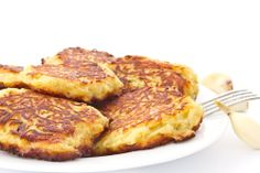 Use all those leftover mashed potatoes from the holidays in this inexpensive dish – potato pancakes. Inexpensive Healthy Meals, Breakfast Recipes, Dinner Recipes, Breakfast Ideas, Yummy Recipes, Bulgarian Recipes, Bulgarian Food, Leftover Mashed Potatoes, Potato Pancakes