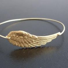 angel wing bracelet...what Pi Phi wouldn't want that?!