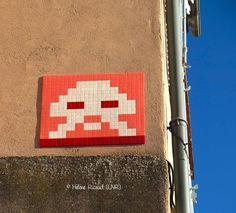 Space Invader TL_08 (Artiste : #Invader)_Toulouse (Haute-Garonne, France)_Place de la Daurade_2016-10-21. © Hélène Ricaud (LNR)