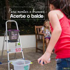 Que tal usar os baldes, bacias e potes da cozinha para uma brincadeira diferente. Este jogo de Acerte o Alvo é ótimo para crianças acima de 5 anos.
