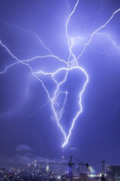 ˚Multiple CN Tower strikes from severe storms - Southern Ontario Aug 24, 2011