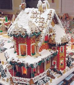 Former Runner-Up Winner Cheryl Fullmer of West Bountiful, UT, created this mansion with melting snow and gingerbread-man shingles.