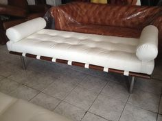 Banqueta Barcelona Lounge, Couch, Barcelona, Furniture, Home Decor, Couches, Dining Room, Houses, Banquettes