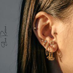 Heart Earrings / Diamond Heart Earrings in Gold / Micro Pave Diamond Earrings / Micro Pave Rose Gold Heart Earrings / Gift for Her - Fine Jewelry Ideas Golden Earrings, Heart Earrings, Chain Earrings, Cool Ear Piercings, Tragus Piercings, Ear Jewelry, Cute Jewelry, Jewlery, Earring Trends