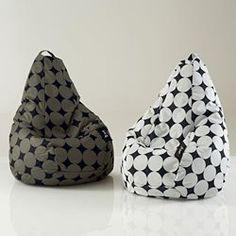 1000 id es sur poufs poires sur pinterest chaises fauteuils poire g ants et pouf poire chaises. Black Bedroom Furniture Sets. Home Design Ideas