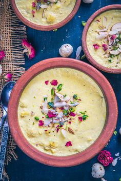 Kesar Makhana Phirni has this beautiful blend of full cream milk, makhana, saffron, cardamom and dry fruits. Serve it in clay bowls.