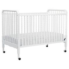 DaVinci Jenny Lind 3-in-1 Convertible Crib with Toddler Rail