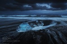 On the rock by Coutchi #Landscapes #Landscapephotography #Nature #Travel #photography #pictureoftheday #photooftheday #photooftheweek #trending #trendingnow #picoftheday #picoftheweek