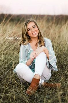 - DFW Fort Worth Aledo Granbury senior photographer senior photography best Senior portrait ideas, An - Senior Picture Poses, Senior Photo Outfits, Fall Senior Pictures, Poses Photo, Country Senior Pictures, Photography Senior Pictures, Senior Photos Girls, Senior Portrait Photography, Senior Girls