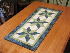 Stars In My Garden table runner pattern by Dragonfly Fiberart www.dragonflyfiberart.com