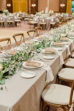 Elige una guirnalda de flores para decorar tu boda y ¡triunfa! Image: 5