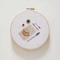 브런치  딸기쨈 좋아해요 냠냠  .  .  .  #브런치 #brunch #bread   #빵 #커피 #coffee #☕️ #잼 #딸기  #프랑스자수 #자수 #일러스트 #일상 #취미  #실그림제제 #손자수 #stitching #painting  #embroidery#illustration #needlework   #illust #handembroidery#handmade  #craft #handcraft  #刺繍