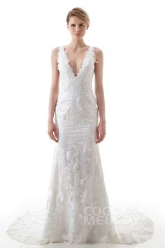 Modern Trumpet-Mermaid V-Neck Natural Court Train Lace and Tulle Ivory Sleeveless Open Back Wedding Dress with Appliques LD4470 #mermaiddresses #weddingdresses#customdresses #cocomelody