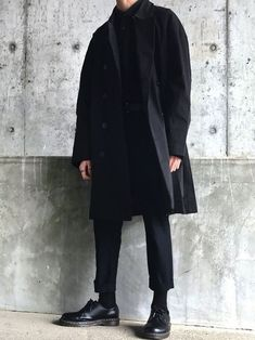 One great thing about men's fashion is that while most trends come and go, men's wear remains stylish and classy. However, for you to remain stylish, there are men's fashion tips you need to observe. Boy Fashion, Fashion Outfits, Fashion Tips, Fashion Design, Urban Outfits, Cheap Fashion, Fashion Boots, Stylish Mens Outfits, Cool Outfits