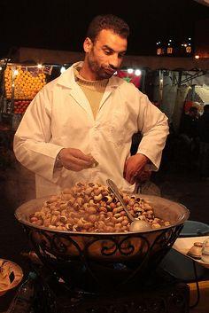 Snails vendor - Street Food in Morocco #People of #Morocco - Maroc Désert Expérience tours http://www.marocdesertexperience.com