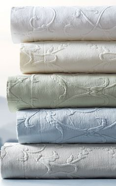 Our 100 cotton Resort Egyptian Cotton Flourish Matelassé Bedding is richly textured yet maintains an exceptionally soft hand. Elegant style and superb quality combine to create a relaxing bedroom environment. Home Bedroom, Bedroom Decor, Shabby, Linens And Lace, Southern Homes, Beach House Decor, Beach Houses, Beautiful Bedrooms, Bedding Collections