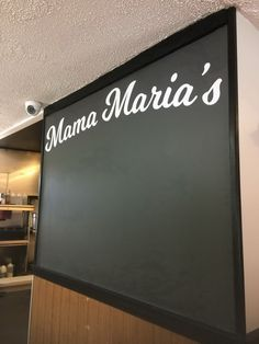 Stop on in to Mama Maria's for a slice, and check out their new chalkboard lettering we installed! #coastalsign #design #pizza #nj #lettering #graphic