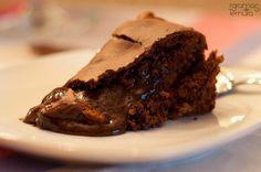 Uma daquelas receitas que sabemos que vai funcionar e que todos vão querer repetir Mole, Sweet Recipes, Cake Recipes, Brazillian Food, Cooking Cake, Candy Cakes, Portuguese Recipes, Happy Foods, Pastry Cake