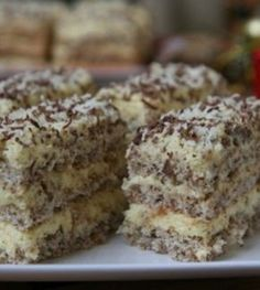 Ez a hamis krémtúrós recept eddig senkinek nem okozott csalódást Hungarian Desserts, Hungarian Cake, Hungarian Recipes, Dessert Cake Recipes, Cookie Recipes, Delicious Desserts, Yummy Food, Food Cakes, Sweet And Salty