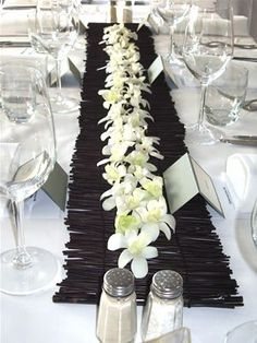 flower table runner for wedding reception