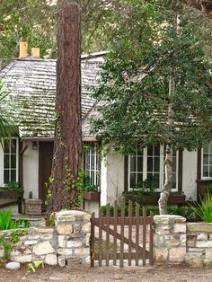Snow White's Summer House, a fairy-tale cottage by Hugh Comstock in Carmel-by-the-Sea, California. Storybook Homes, Storybook Cottage, Cottages By The Sea, Cabins And Cottages, Cute Cottage, Cottage Style, Tudor Cottage, Rustic Cottage, Cottage Living