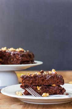 Bolo de chocolate, nozes e quinoa • Chocolate, walnuts and quinoa cake